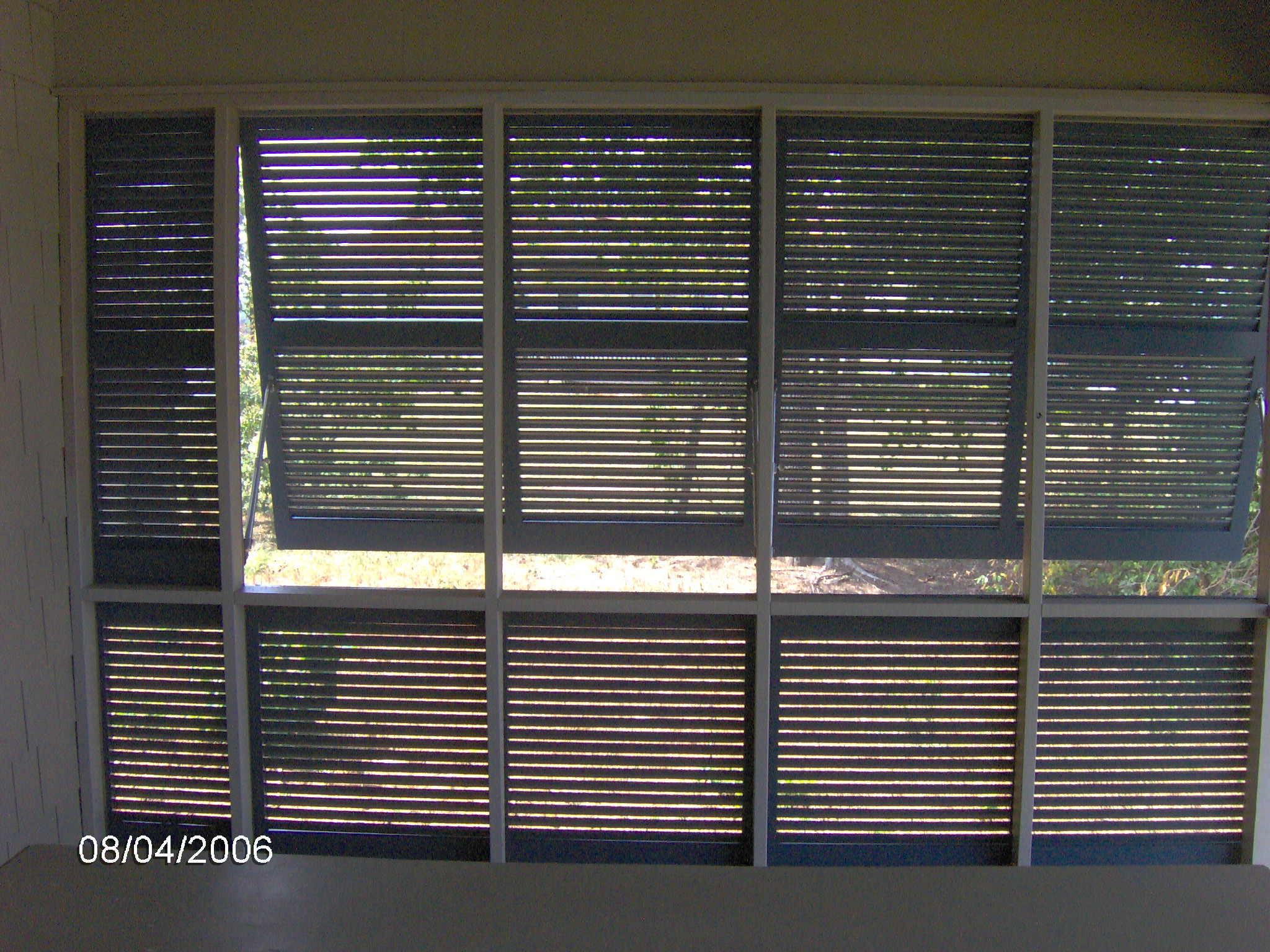 Pdf how to build exterior plantation shutters plans diy for Bahama shutter plans